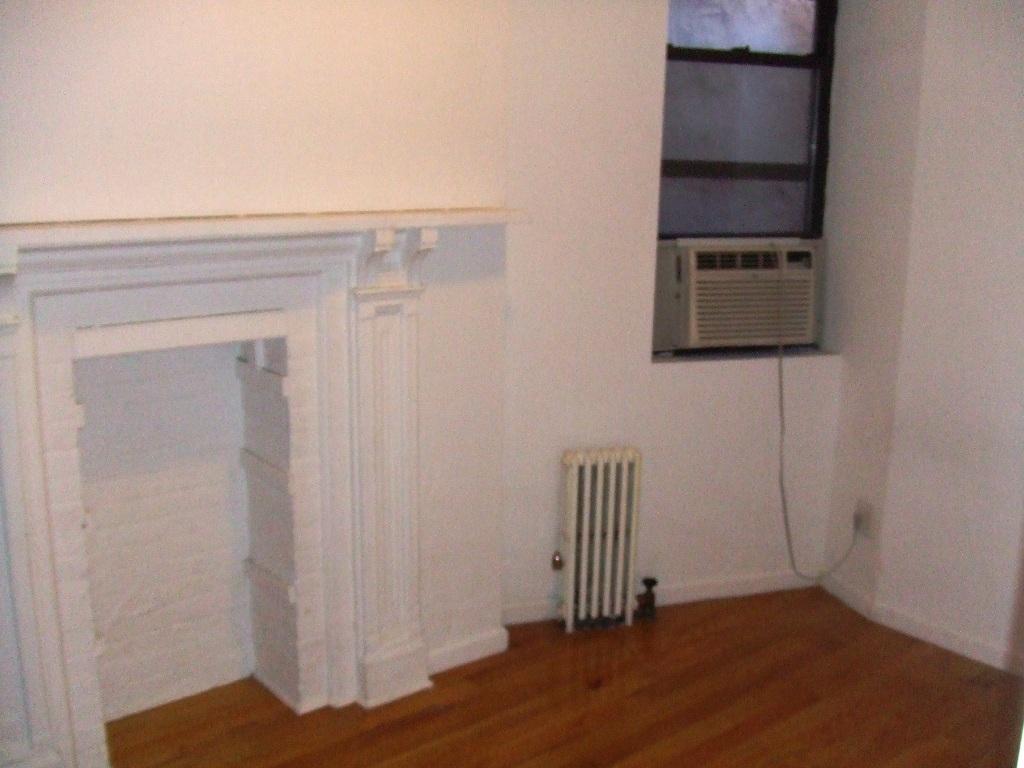8 St Marks Pl, 18 - East Village, New York