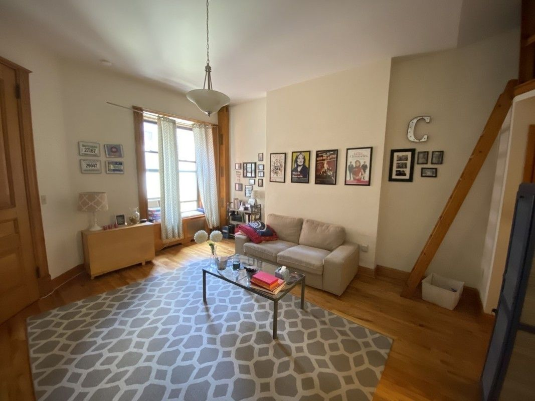 68 West 69th Street 2B Lincoln Square New York NY 10023