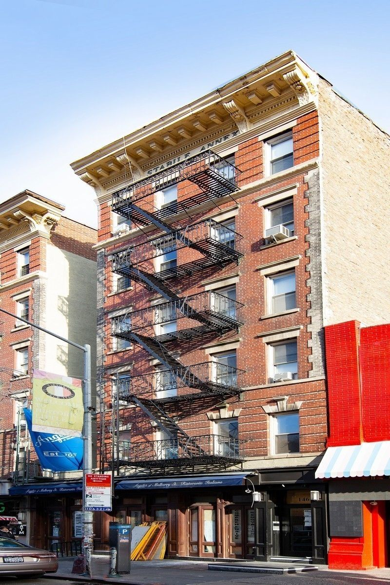 146 Mulberry Street Little Italy New York NY 10013