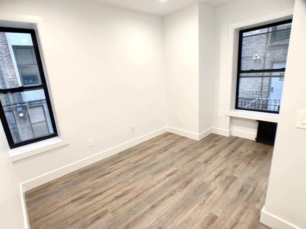 90 Downing Street Clinton Hill Brooklyn NY 11238