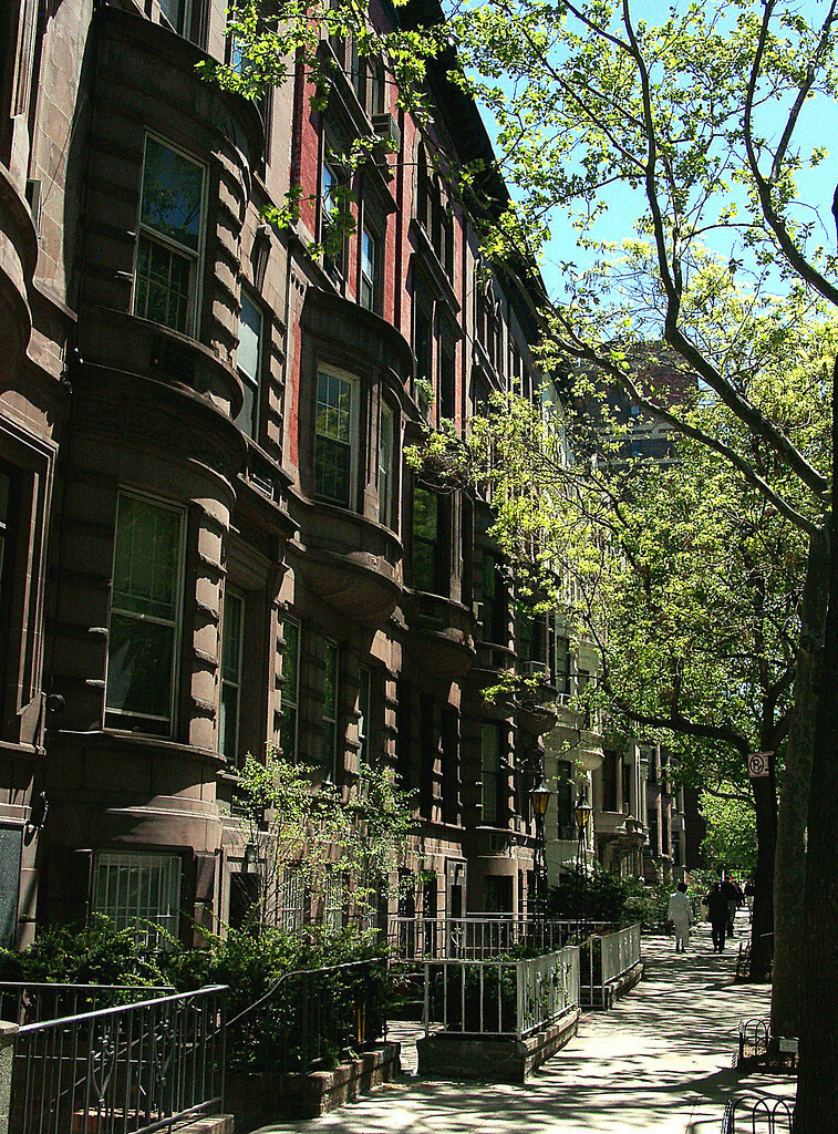 68 West 69th Street Lincoln Square New York NY 10023