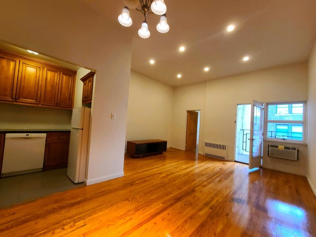 27 West 71st Street Lincoln Square New York NY 10023