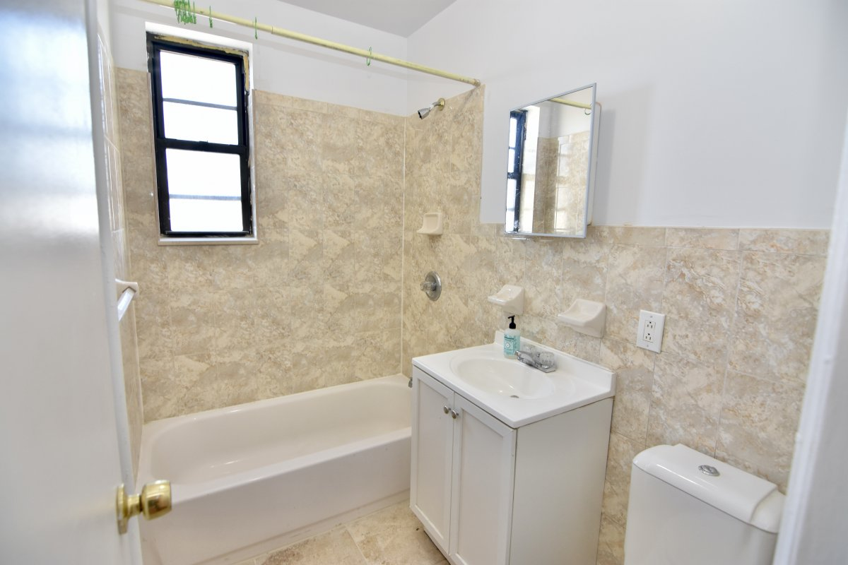 43-18 39th Place 36 Sunnyside Queens NY 11104