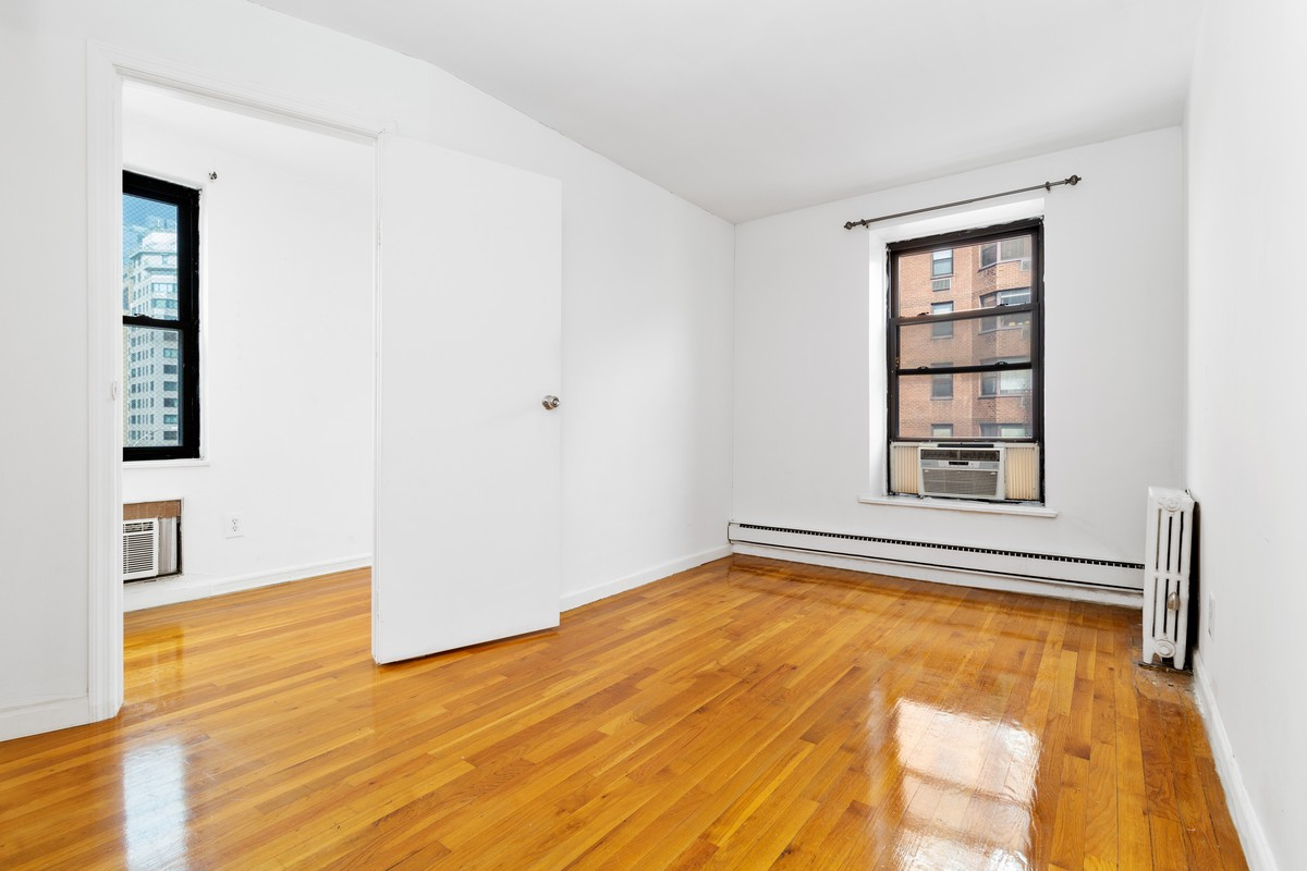 1220 Lexington Avenue Upper East Side New York NY 10028